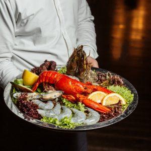 -لابستر و غذا های دریایی