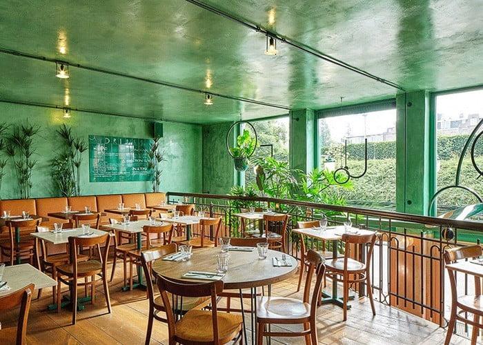 رنگ رستوران سبز و قهوه ای
