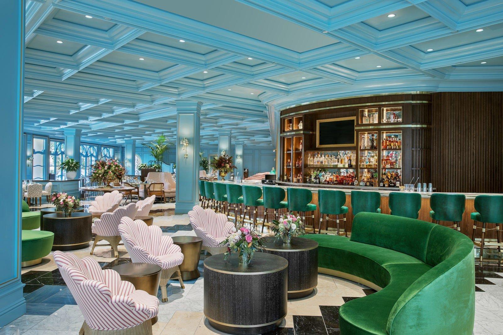 bellagio sadelles interior lounge creditanthonymair