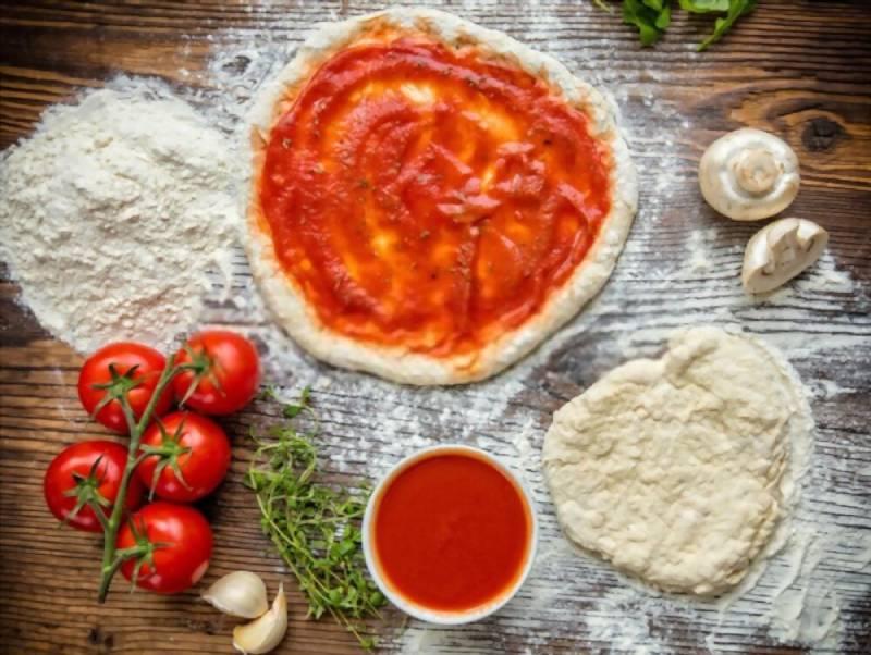 خمیر پیتزا تازه